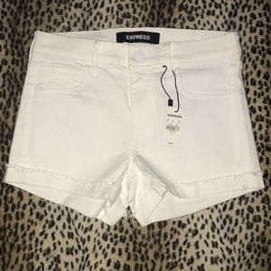 NWT Express White mid rise stretch jean shorts